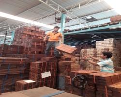 ไม้ที่โรงงาน